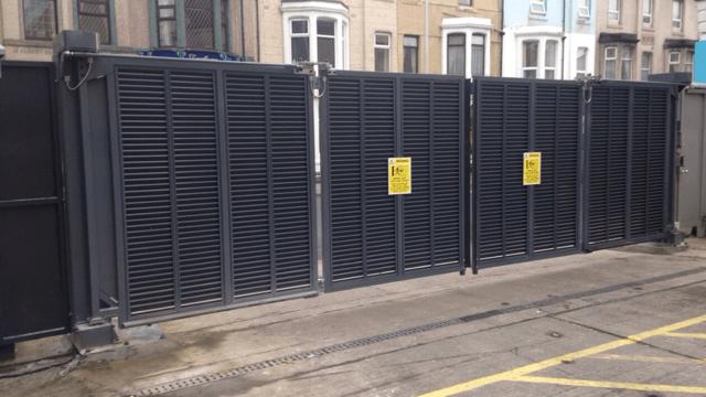 Bi Folding Speed Gates Expert Security Uk